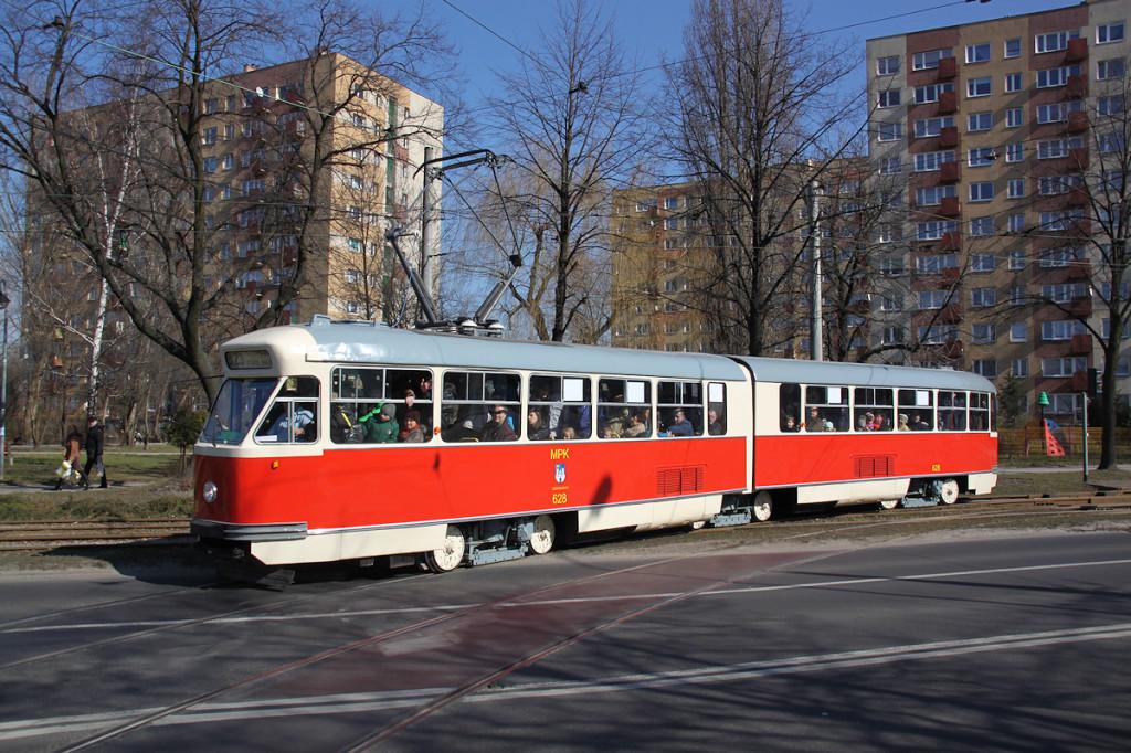 Najważniejszy tramwaj na tej imprezie czyli świeżo odremontowany 102Na